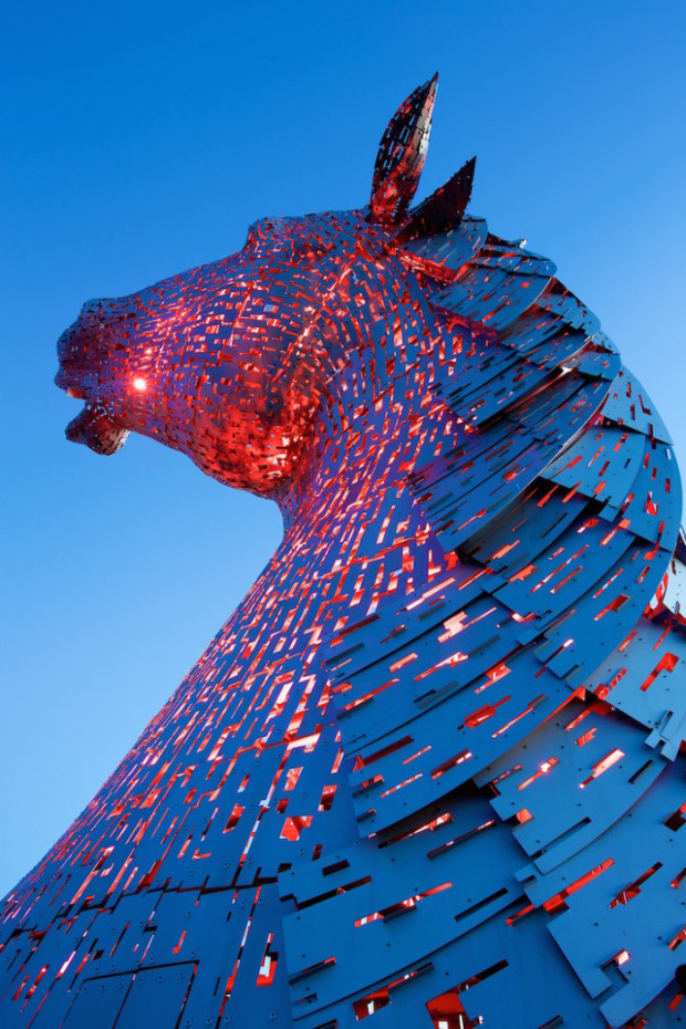 Amazing Horse Head Sculpture Lights Up Scottish Skyline Habitat - Amazing horse head sculpture lights scottish skyline