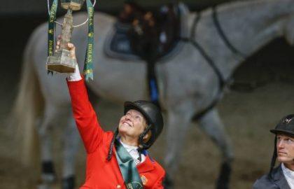 equestrian_trophy