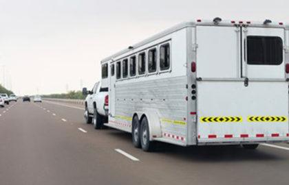 horse-trailer-on-highway